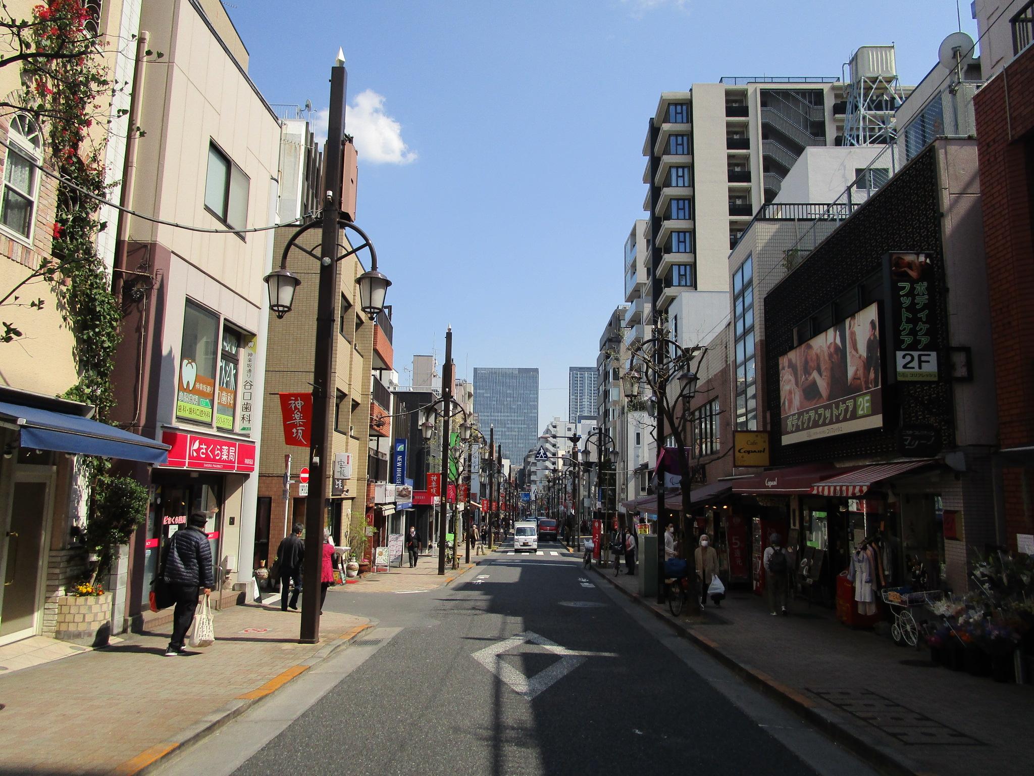 神楽坂商店街